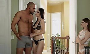 Teen share her foster dad's pecker with her step mama - india summer & alice march